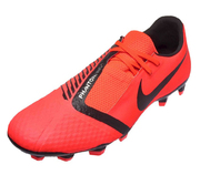 Buy Nike Soccer Shoes in California and unlock your agility on the fie
